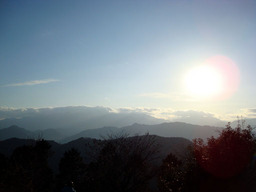 高尾山頂上から見える山々